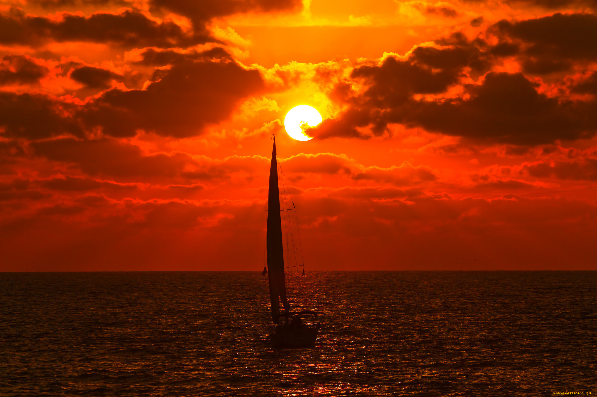 один картинки корабля солнце отличие